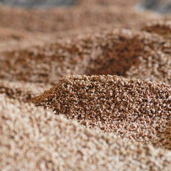 Biomasa de huesos de aceituna